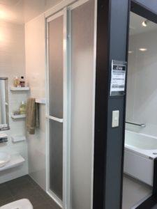 タカラスタンダードのお風呂の折れ戸