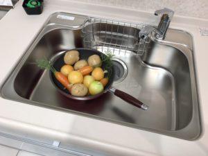 クリナップキッチン「ラクエラ」の標準ステンレスシンク