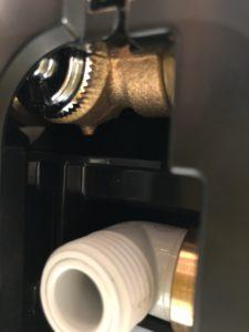 スゴピカ水栓の裏